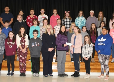 Hopewell School EarlyAct Club donates to Oxford Neighborhood Services